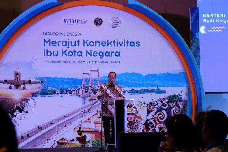 Menteri Perhubungan Budi Karya Sumadi memberikan sambutan di acara dialog Merajut Konektivitas Ibu Kota Negara yang berlangsung di Hotel Sultan, Jakarta, Rabu (26/02/2020)