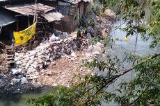 Material Urukan di Kali Ciliwung Sudah Berkurang, Aliran Air Lebih Lancar