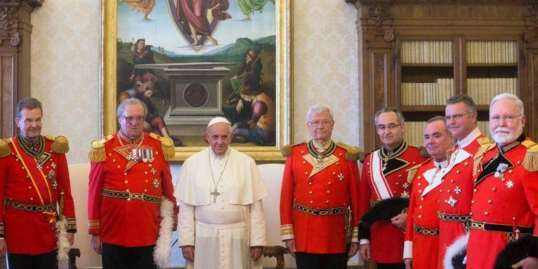 Paus Fransiskus bersama petinggi Orde Militer Berdaulat Malta.