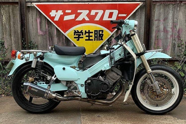 Tren motor bebek gendong mesin 250 cc 4-silinder di Jepang yang diberi nama Crazy Cub