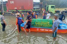 Dikepung Banjir, Warga Semarang Pinjam Perahu Karet Bawa Jenazah ke Pemakaman, Ini Ceritanya