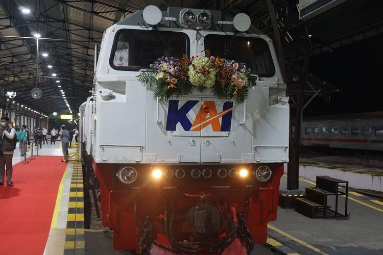 KA Baturraden Ekspres diberangkatkan dari Stasiun Purwokerto menuju Stasiun Bandung, Jumat (25/6/2021).
