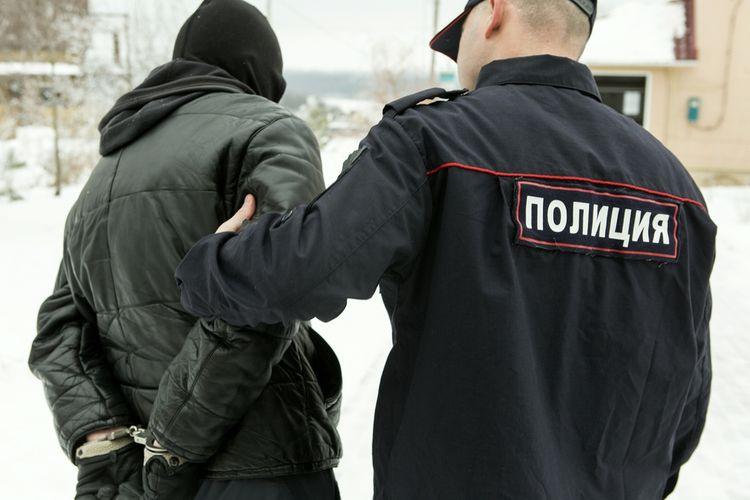 Ilustrasi polisi Rusia menahan tersangka