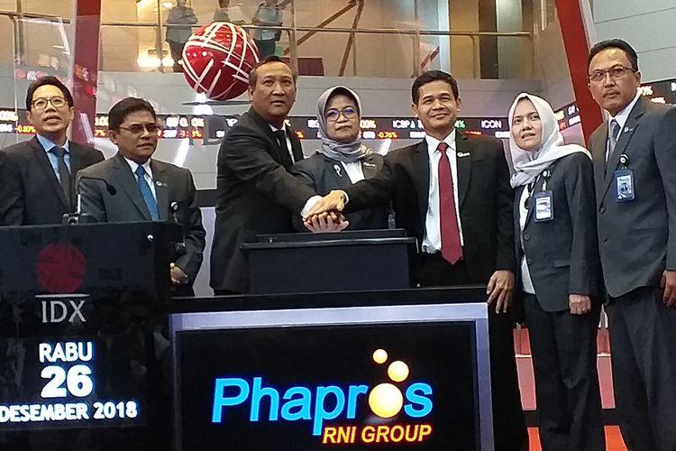 PT Phapros Tbk, perusahaan farmasi dan alat kesehatan mencatatkan sahamnya di Bursa Efek Indonesia, Rabu (26/12/2018).