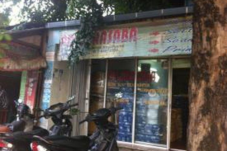 PT Frislianmar Masyur Mandiri di Jalan Pramuka Nomor 19A, Matraman, Jakarta Timur itu ternyata adalah toko percetakan dan fotokopi.