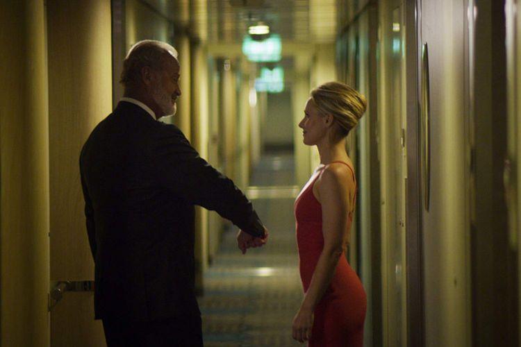 Kelsey Grammer dan Kristen Bell bermain dalam film Like Father (2018)