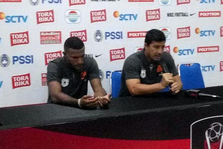 Pelatih Persipura Alfredo Vera mengakui penyelesaian akhir lini depan masih kurang tajam.
