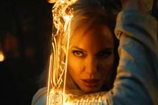 Penampilan Terbaru Angelina Jolie Jadi Superhero Marvel di Eternals