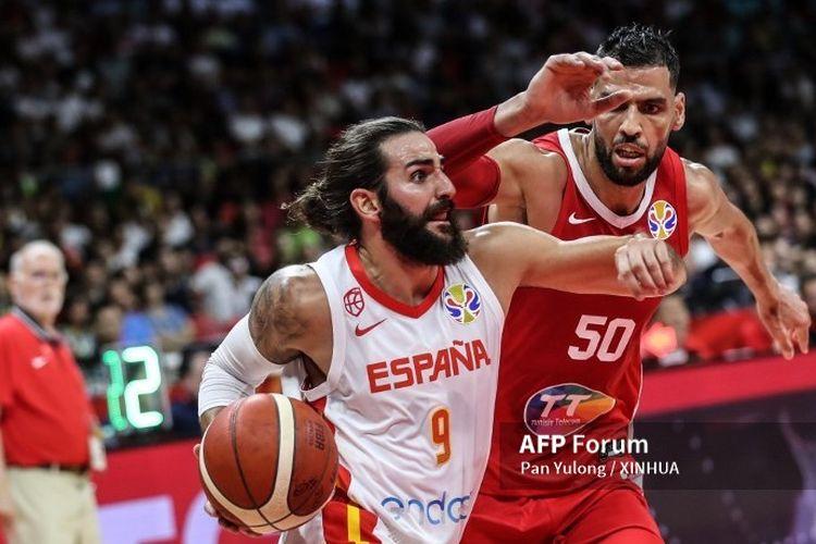 Ricky Rubio, pemain bola basket asal Spanyol sedang beraksi di Piala Dunia FIBA 2019