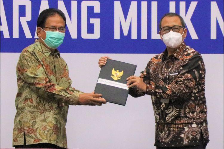 Menteri Agraria dan Tata Ruang/Kepala Badan Pertanahan Nasional (ATR/BPN) Sofyan A Djalil dengan Ketua Komisi Pemberantasan Korupsi (KPK) Firli Bahuri.