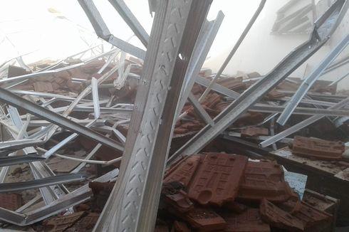 "Atap Kelas SDN Ambruk, Anggota DPRD Jember Sebut karena Lelang ""Gila-gilaan"""