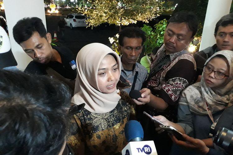 Humas Universitas Negeri Surabaya Vinda Maya