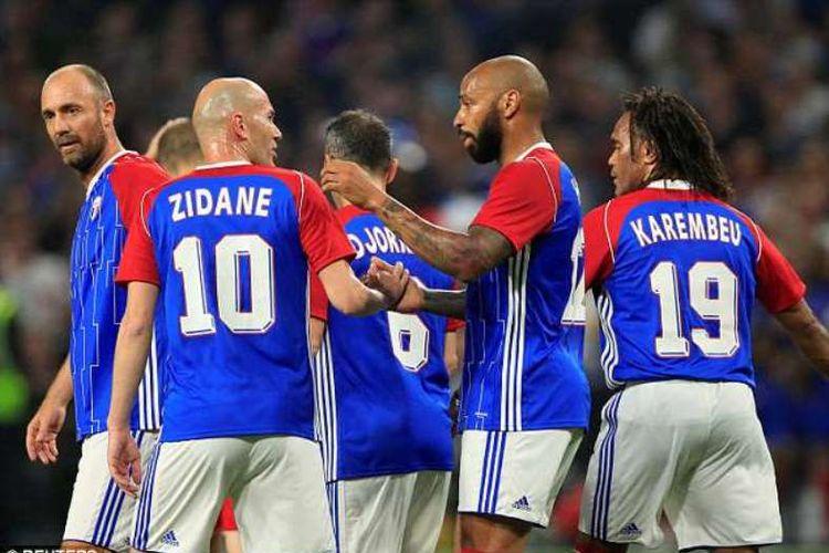 Tim Les Bleus, juara Piala Dunia 1998: Zinedine Zidane, Thierry Henry, Youri Djorkaeff, Christian Karembeu dll