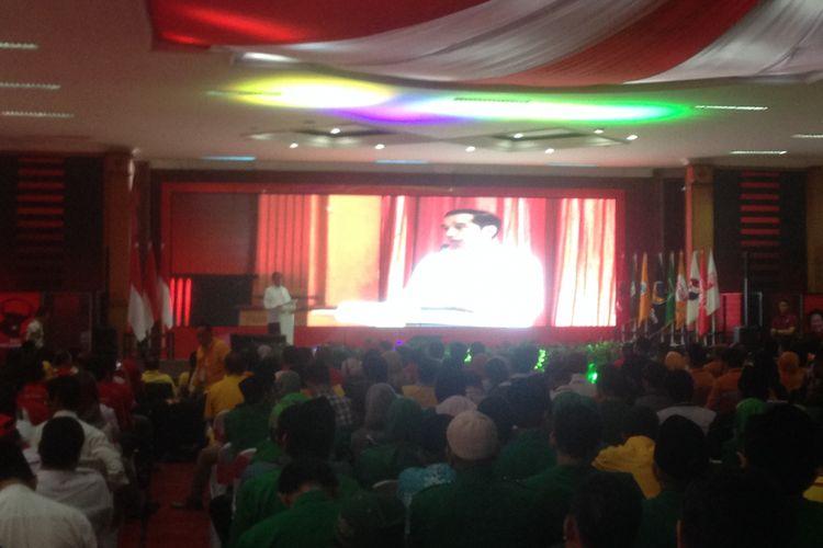 Calon Presiden nomor urut 01 Joko Widodo berbicara seusai pelantikan tim kampanye daerah Jawa Tengah, Sabtu (20/10/2018).