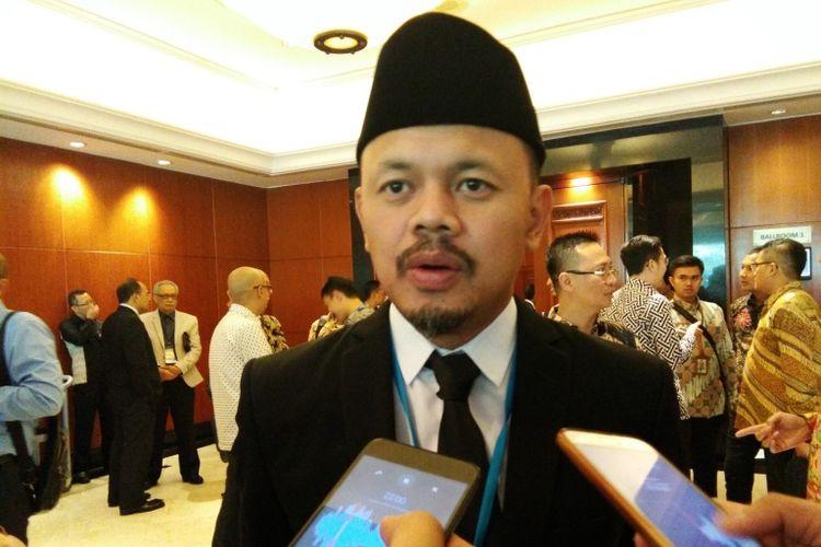 Wali Kota Bogor Bima Arya saat ditemui disela acara Rapat Umum Pemegang Saham (RUPS) Bank Jabar dan Banten (BJB) di Hotel Aryaduta, Bandung, Selasa (11/12/2018).