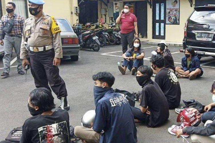Polisi amankan peserta aksi hari tani di Solo