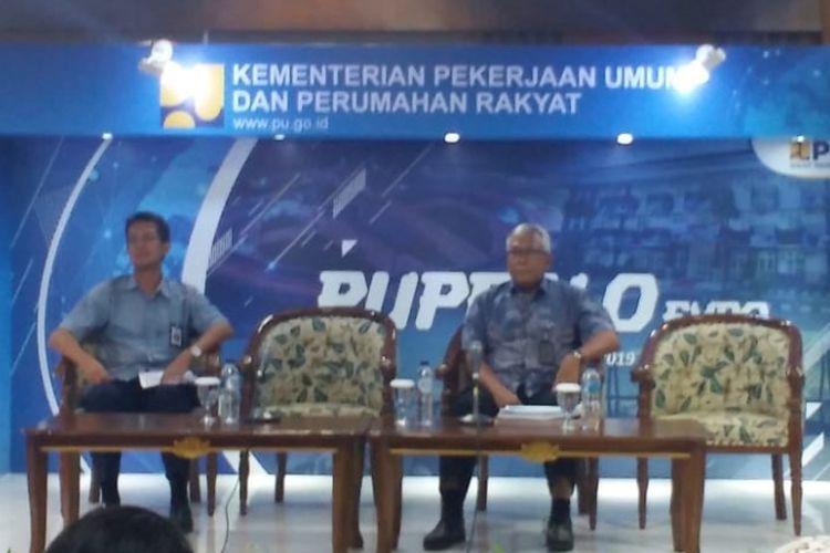 Kepala Badan Pengembangan Infrastruktur Wilayah (BPIW) Hadi Sucahyono (kanan).