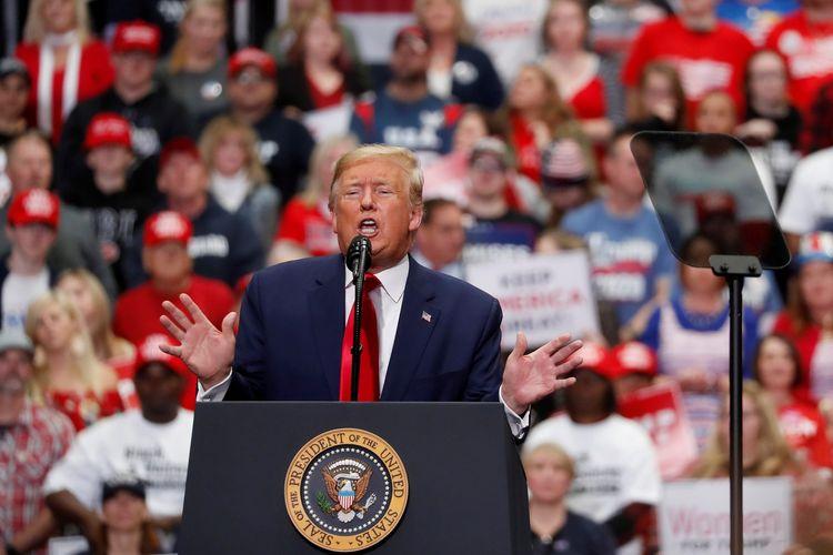 Presiden Amerika Serikat Donald Trump saat berkampanye di Charlotte, North Carolina, 2 Maret 2020.