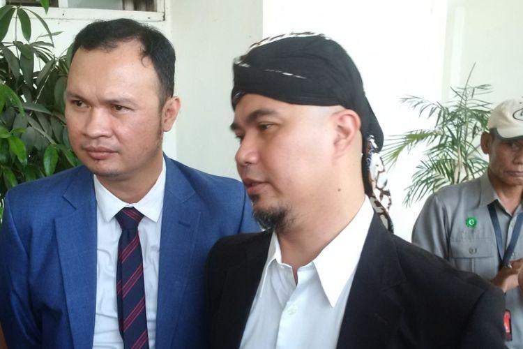 Ahmad Dhani dalam wawancara sebelum menjalani sidang kasus ujaran kebencian yang menjeratnya di Pengadilan Negeri Jakarta Selatan, Senin (29/10//2018).