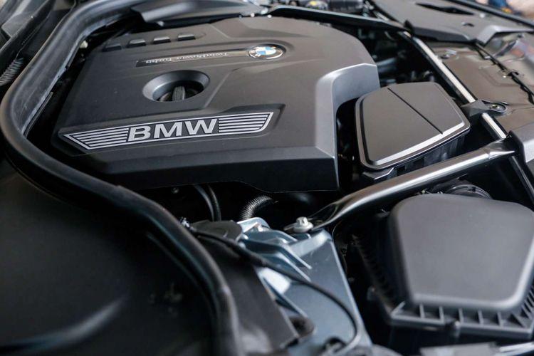 Mobil All-New BMW 520i terlihat saat peluncuran di Jakarta, Kamis (18/1/2018). BMW Group Indonesia resmi menghadirkan mobil terbaru di lini BMW seri 5, All-new BMW 520i Luxury Line, yang juga menjadi produk pertama mereka di Indonesia tahun ini.
