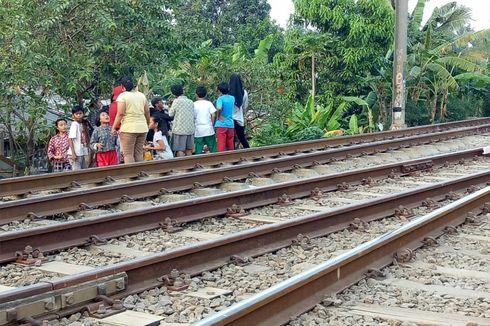 Pria Paruh Baya Tewas Tertabrak Kereta di Dekat Stasiun Sudimara