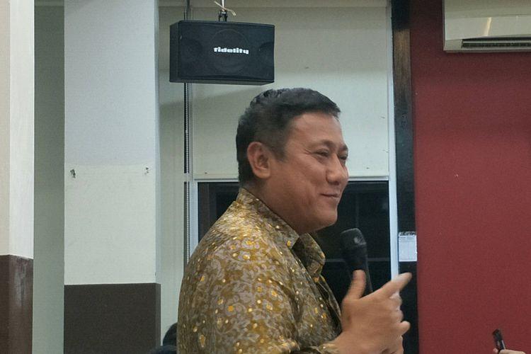 Kepala Kantor Perwakilan (KPw) BI Provinsi Sumatra Barat, Endy Dwi Tjahjono saat diskusi dengan media di Padang, Jumat malam (23/2/2018).