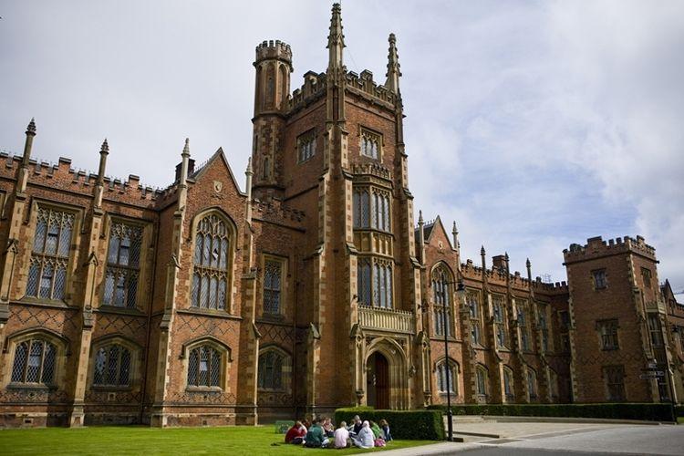 Gedung kuliah di Queens University Belfast, Irlandia Utara