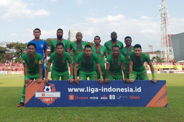 Skuat Kalteng Putra jelang pertandingan melawan PSM Makassar di Stadion Andi Mattalatta, Makassar, Rabu (6/11/2019).