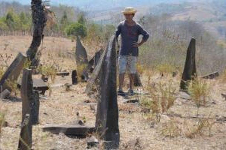 Situs Batu Megalitik Rate Loku di Padang Savana Teleng, Kabupaten Manggarai Timur, Pulau Flores, Nusa Tenggara Timur.