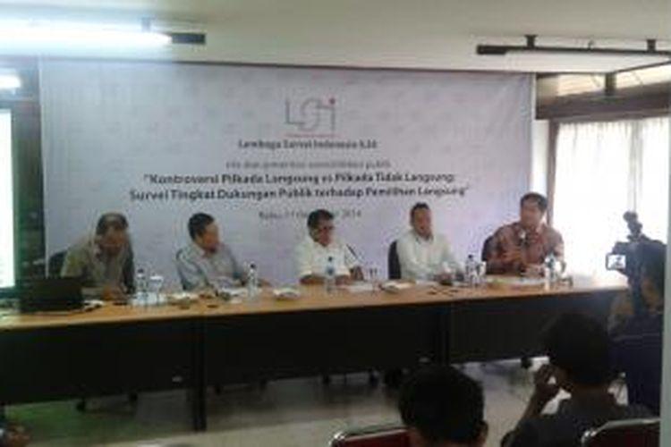 Konferensi pers Lembaga Survei Indonesia (LSI), Rabu (17/12/2014).