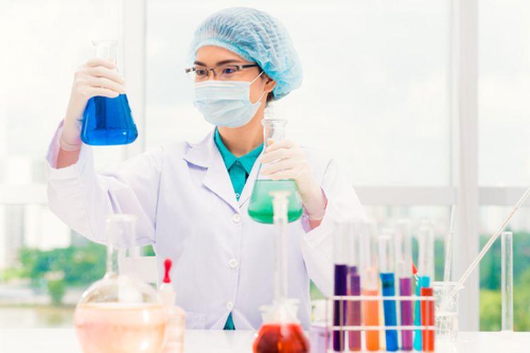 ilustrasi ilmuwan membuat vaksin