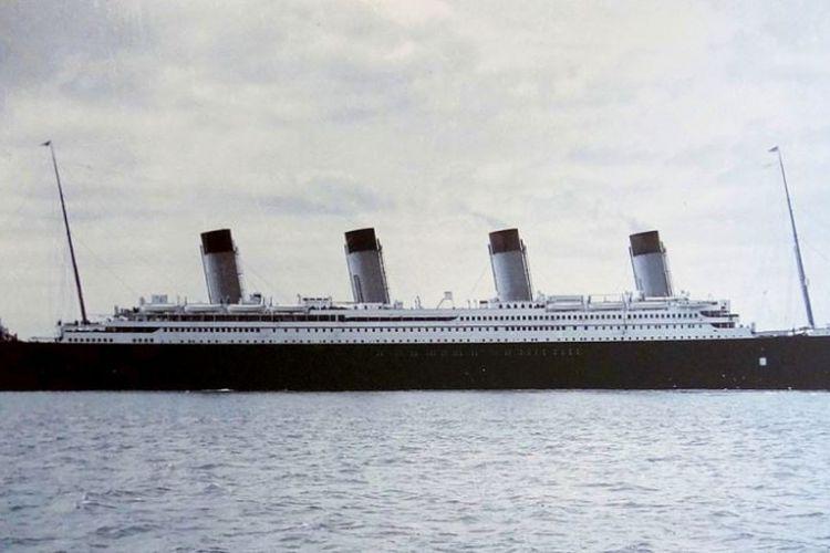 Kapal pesiar RMS Titanic di pelabuhan Cobh, Irlandia pada 11 April 1912 atau empat hari sebelum tenggelam.