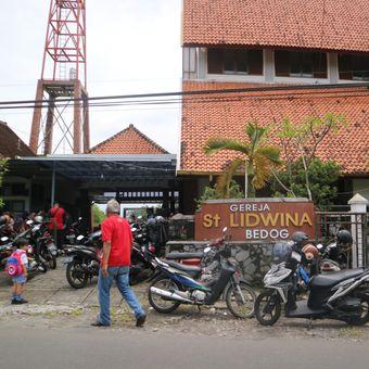 Gereja Santa Lidwina Bedog, Trihanggo, Gamping, Sleman, Yogyakarta, sehari setelah peristiwa penyerangan oleh seorang pria, Senin (12/2/2018).