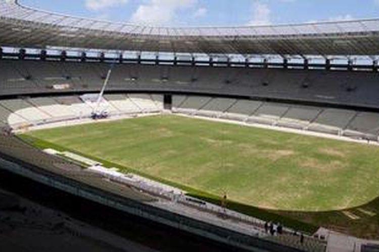 Pemandangan Stadion Arena Castelao di Fortaleza, Provinsi Ceara, timur laut, Jumat (7/12/2012). Stadion itu akan menjadi salah satu tuan rumah turnamen Piala Konfederasi Brasil 2013, Juni mendatang, dan akan diikuti oleh delapan negara. Castelao merupakan salah satu dari 12 stadion yang disiapkan Brasil untuk Piala Dunia 2014.