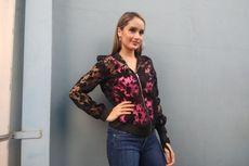 Cinta Laura Akan Klarifikasi Foto Mesranya di Kementerian Pemberdayaan Perempuan