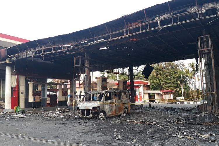 Pom Bensin di Jalan Pagelarang, Cipayung, Jakarts Timur, yang terbakar, Jumat (11/10/2019).
