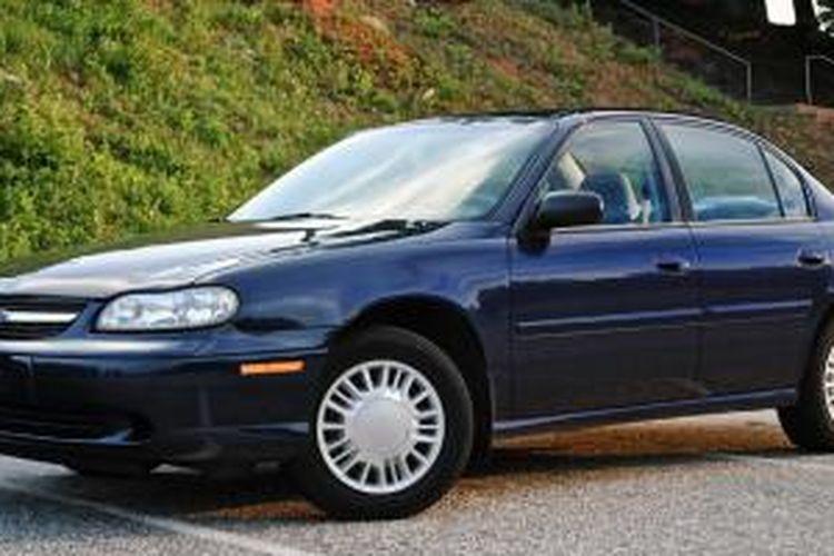 Chevrolet Malibu generasi kelima (1997-2003).