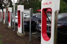 "Mobil Listrik Tesla Enggak Bisa ""Ngecas"" di SPLU"