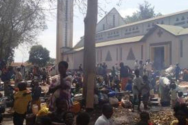 Lebih dari 30.000 orang kehilangan tempat tinggal di Bossangoa, akibat kekerasan yang dilakukan pasukan pemerintah Afrika Tengah dan kelompok pemberontak.