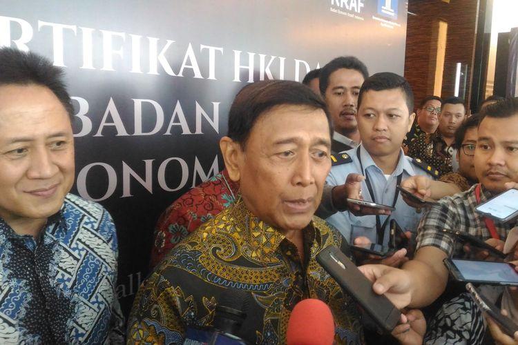 Menteri Koordinator Bidang Politik, Hukum, dan Keamanan (Menko Polhukam) Wiranto di Hotel JS Luwansa, Jakarta Selatan, Senin (8/4/2019).