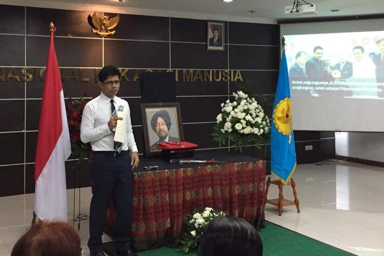 Wakil Ketua Komisi Pemberantasan Korupsi, Laode M Syarif, dalam acara prosesi duka cita dan penghormatan terakhir di kantor Komnas HAM, Jakarta, Kamis (19/9/2019).