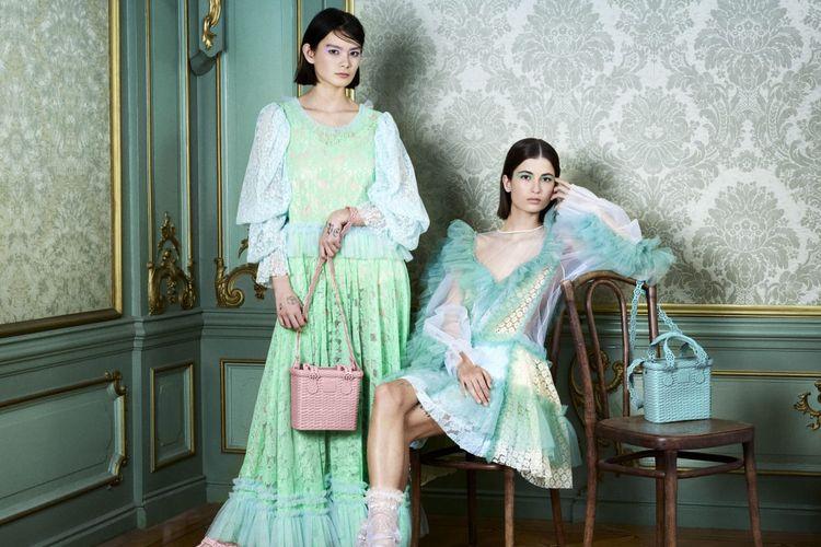 Merk alas kaki plastik, Melissa meluncurkan koleksi terbatas hasil kolaborasi dengan rumah mode Viktor&Rolf.