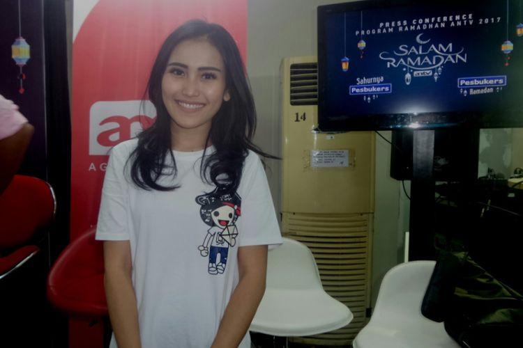 Ayu Ting Ting diabadikan di Studio ANTV, Epicentrum, Jakarta Selatan, Selasa (16/5/2017).