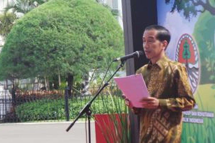 Presiden Joko Widodo menyampaikan pidato dalam acara peringatan Hari Lingkungan Hidup di Istana Bogor, Jumat (5/6/2015).