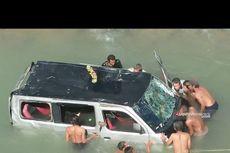 Mobil Grand Max Berpenumpang 10 Orang Terjun ke Sungai