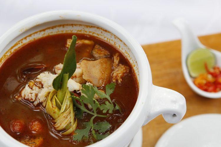 Sup Tom Yum dari Restoran Saigonsan di Malang, Jawa Timur.