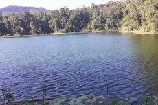Eloknya Danau Rana Kulan yang Tersembunyi di Manggarai Timur