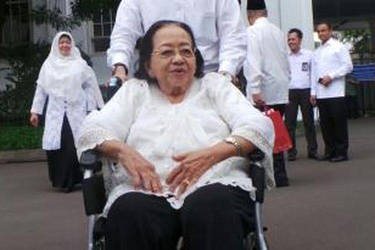 Ibu Sutoto, guru Presiden Joko Widodo di SMP Negeri 1 Solo.