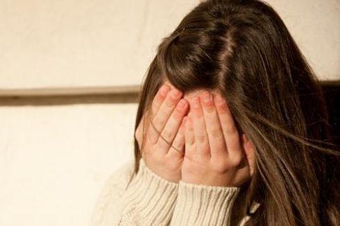 Seorang Remaja Perempuan Tendang Kepala Ibunya karena Alasan Sepele