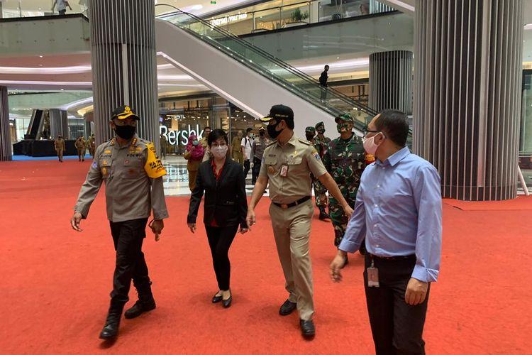 Wali Kota Jakarta Barat Rustam Effendi saat melakukan peninjauan ke Lippo Mall Puri